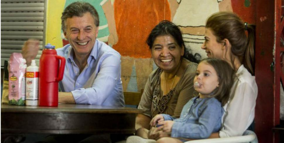 Resultado de imagen de Macri y Señora con Margarita Barrientos
