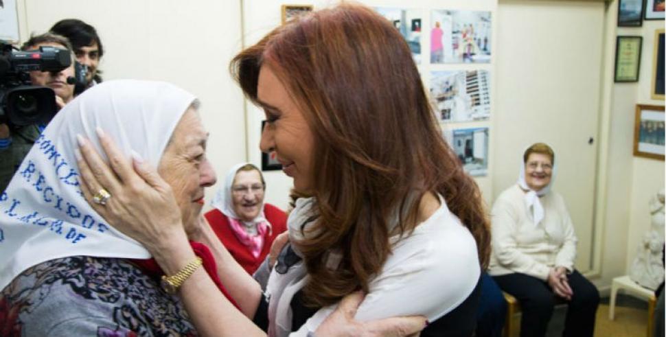 Cristina Kirchner, con las Madres de Plaza de Mayo