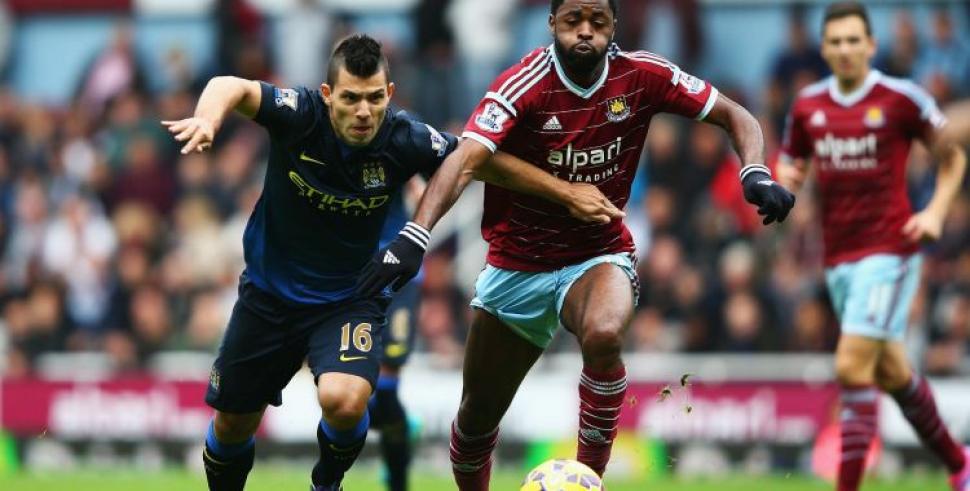 Manchester City gana 3-1 al West Ham con doblete de Sterling