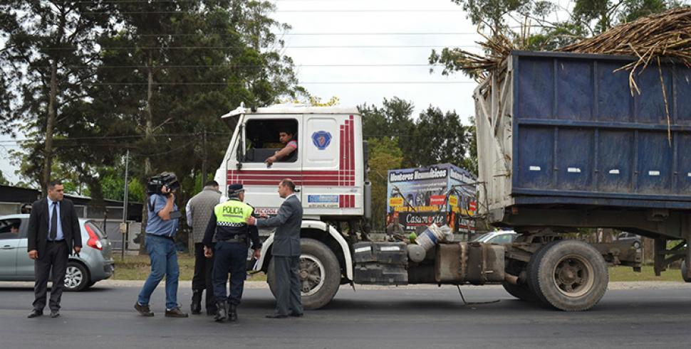 Resultado de imagen para camiones rutas tucuman
