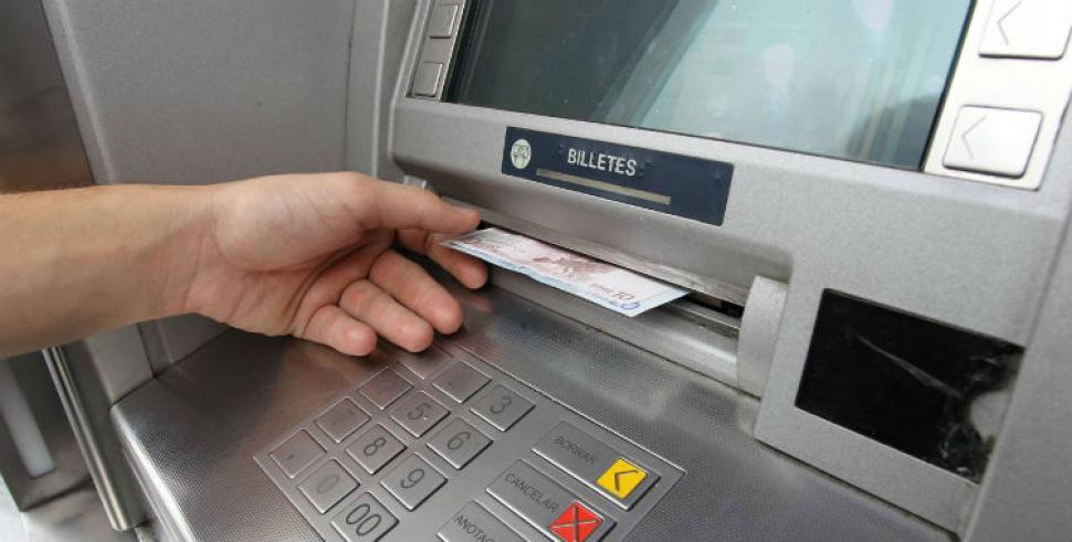 Efecto inflacionario los bancos permiten extraer m s for Cuanto dinero se puede sacar del cajero