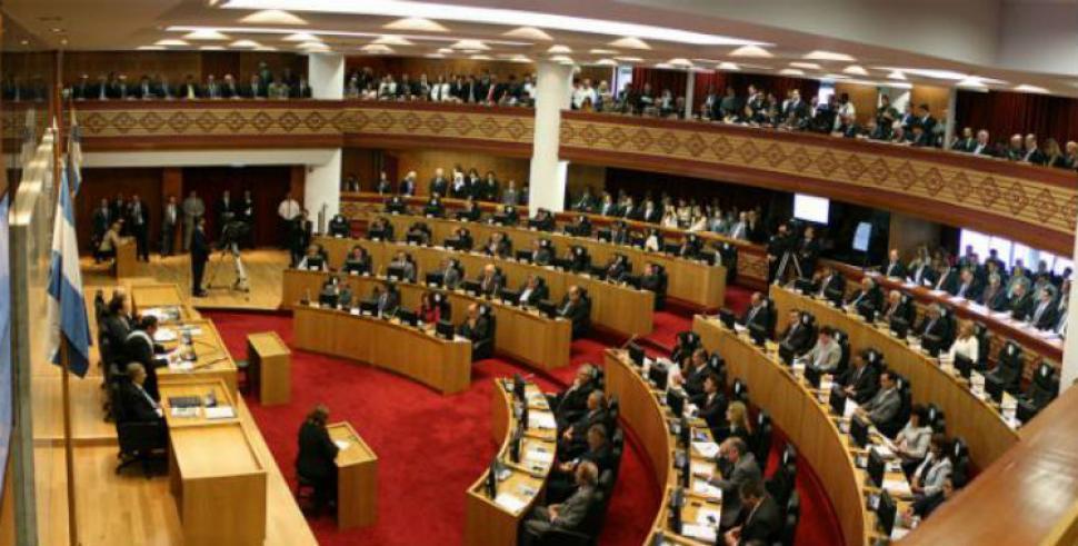 Entre todas las legislaturas se gastan 80 millones por día
