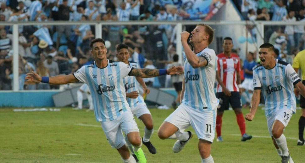 Atlético Tucumán vence a Peñarol por Copa Libertadores — Fútbol