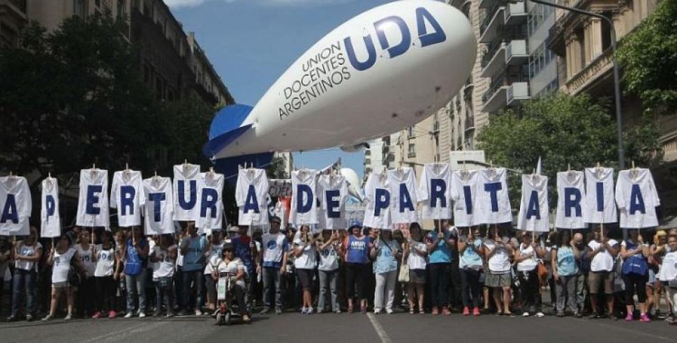 La Justicia eximió al Gobierno de convocar a la paritaria nacional docente