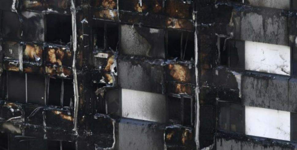 Desconocen cuántos desaparecieron tras incendio — Londres
