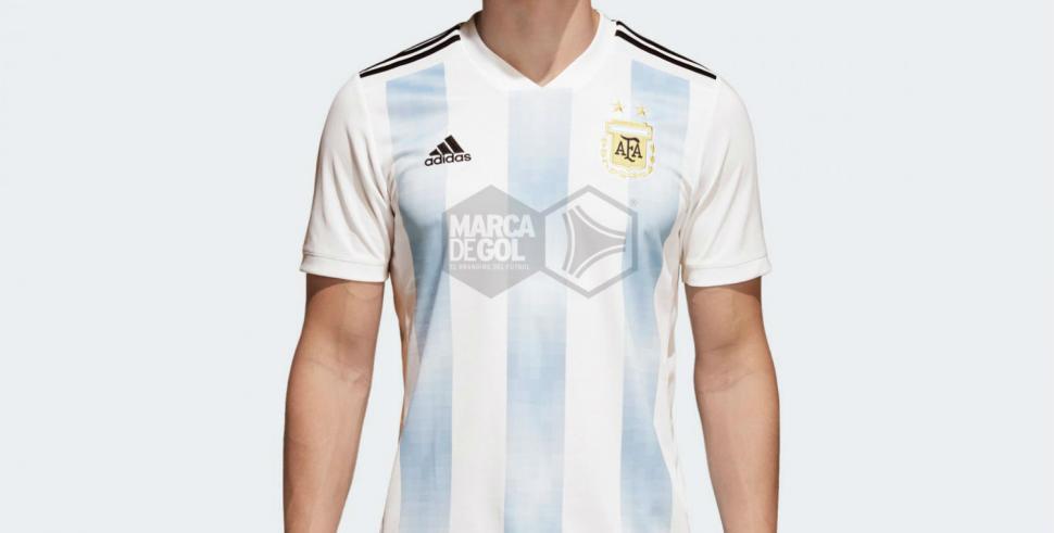 Así será la camiseta que usará Argentina en el Mundial de Rusia  2755b5f0d0f1e