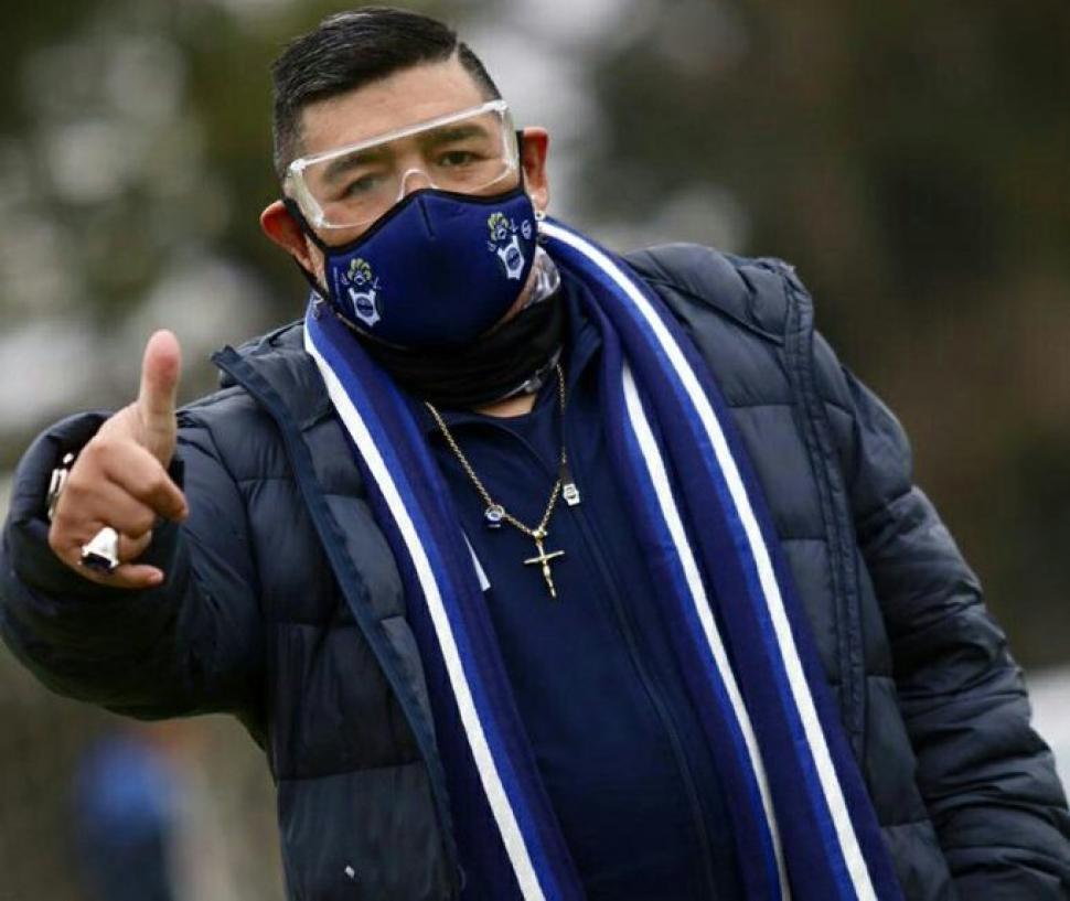 Diego Maradona se expresó a favor del impuesto a las ...