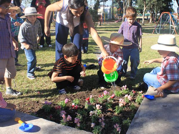 El jard n de infantes querubines y la municipalidad for Jardin querubines