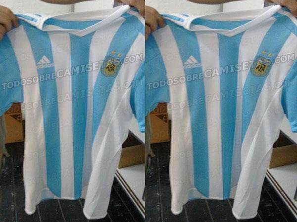 Un sitio dedicado a las camisetas filtró las imágenes de la nueva camiseta  de la Selección Argentina que se usará en la Copa América 2015 62f4e9a1e8d55